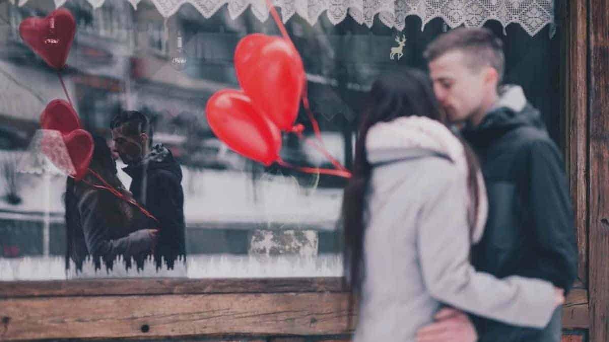 Valentine's Day in Spanish - Phrases & Vocabulary - Tell Me In Spanish